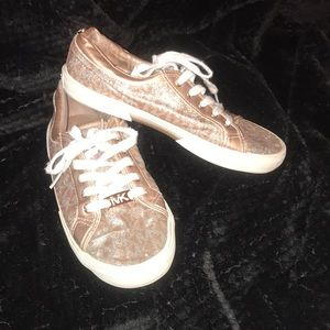 MK girls casual shoes size 3
